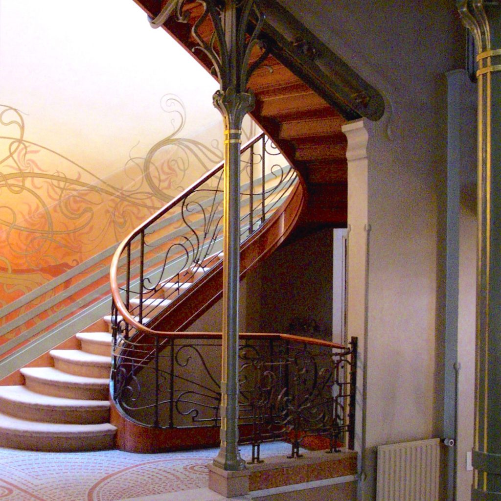 Tassel_House_stairway-00